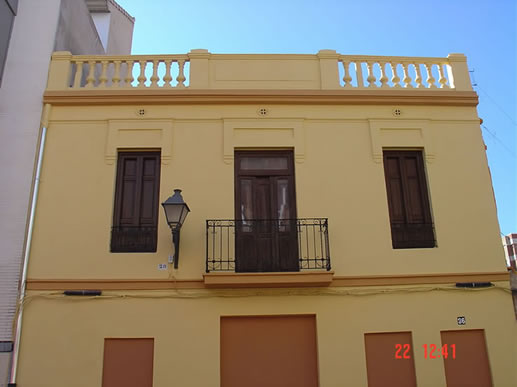 Casa antigua en Benimaclet pintada por VTP