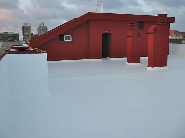Pintura de paredes y suelo de terraza