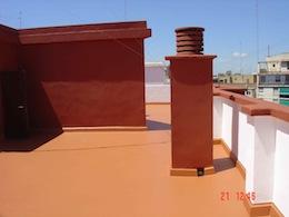 Terraza reparada, impermeabilizada y pintada